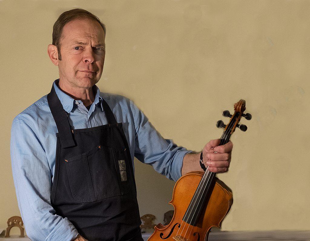 Paul Barter violinatelje